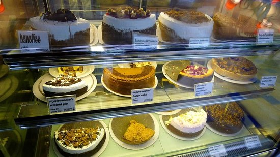 Banapple:                   cakes and pies