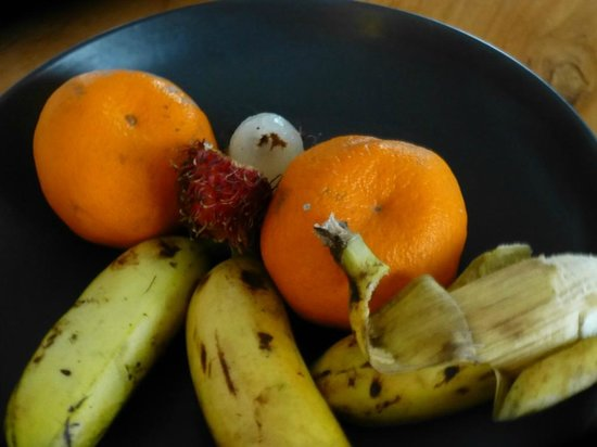 The Samaya Bali Seminyak:                   Inedible fruits from a 5 stars hotel?