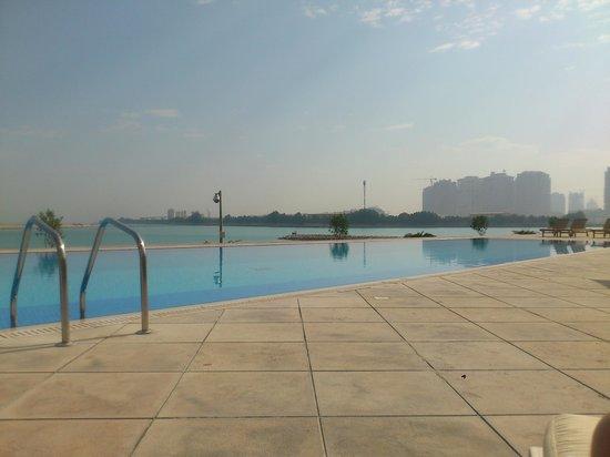 Grand Hyatt Doha Hotel & Villas:                   pool