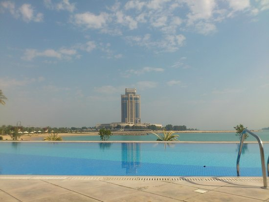 Grand Hyatt Doha Hotel & Villas:                   View from far pool