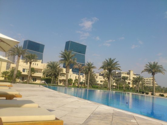 Grand Hyatt Doha:                   pool