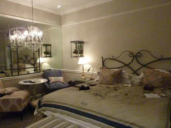 Cape Grace:                   Rooftop luxury room
