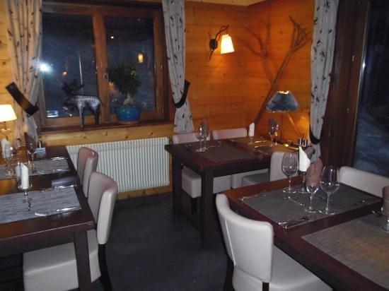 Hotel Chalet Alpage:                   salle a manger...on y est bien  !!!! et on y mange bien !!!
