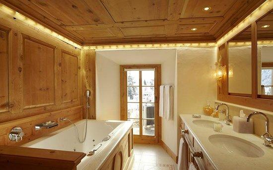 Hotel Seehof Davos: Badezimmer Parsenn Suite