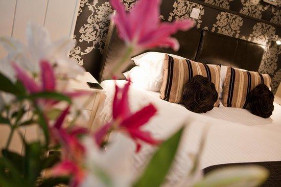 Jerichos Restaurant: Bedroom interior