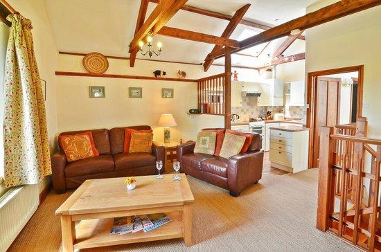 Knowle Farm: Moncks Green Living Room