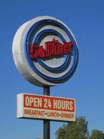 5 & Diner - N. 16th St.:                   5 & Diner-street sign