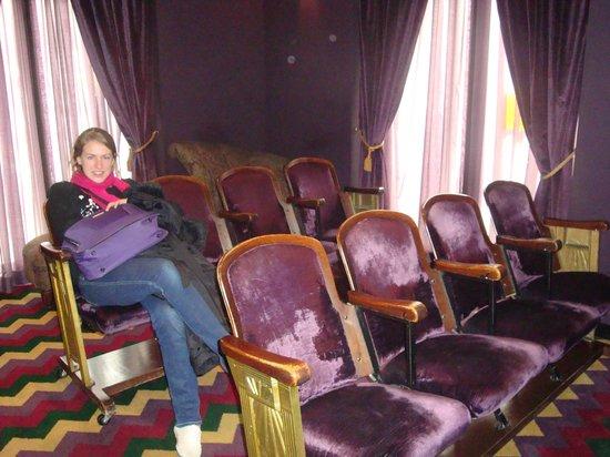 Hotel Bijou :                   Where's the Popcorn ?