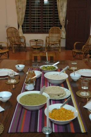 Mundax Homestay Yoga Retreat:                   Yep, they'll teach you how to eat this with your hands!