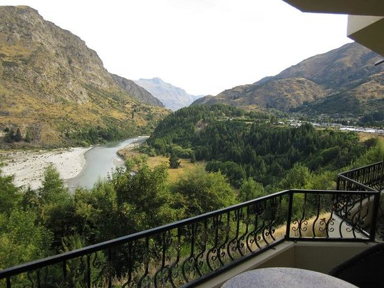 Nugget Point Queenstown Hotel:                   Fabulous Shotover River view from our balcony