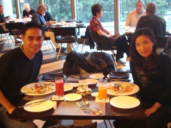 Le Meridien New Delhi:                   DINING