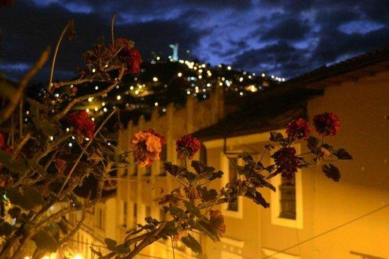 La Posada Colonial:                   Increible vista nocturna del panesillo
