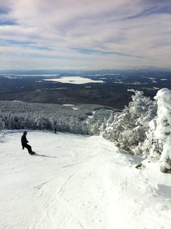 Saddleback Maine: Riding on powder!