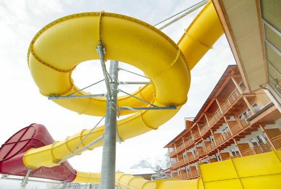 Kinderhotel Buchau: Riesen-Reifenrutsche