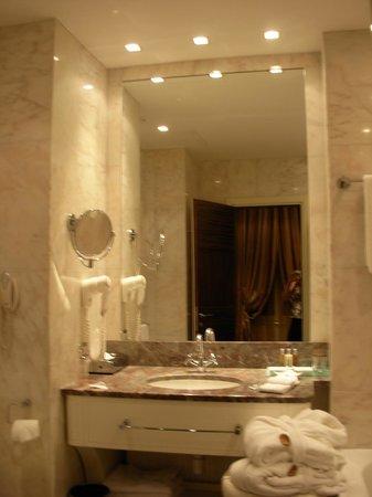 بوسكولو بودابست أوتوجراف كولكشن:                   la salle de bains                 