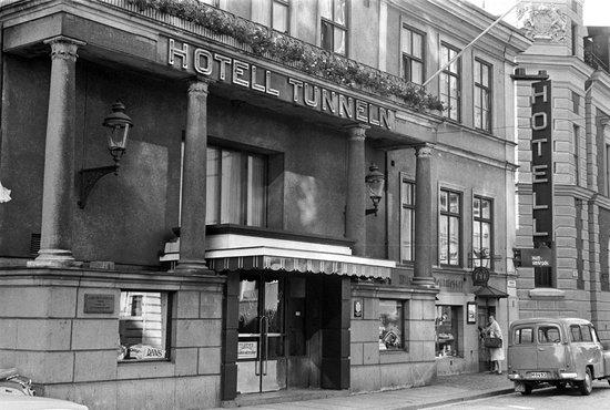 Mayfair Hotel Tunneln: facade 1965