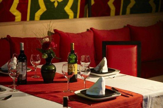 Domaine Du Douar : Ambiance du soir autour d'un diner..