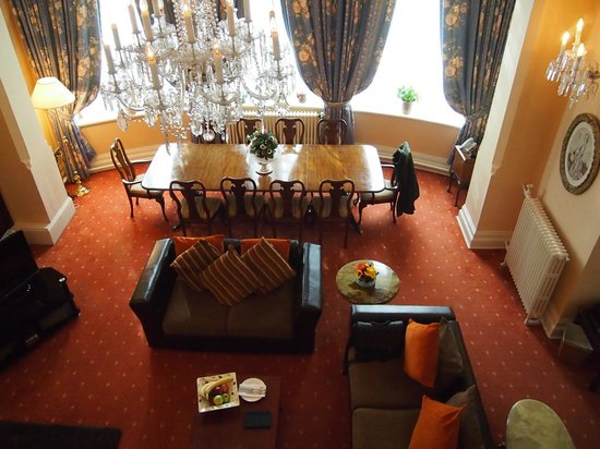 Chateau La Chaire:                                     The suite dinning area