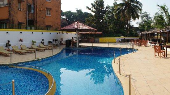 Hotel Colva Kinara:                   Бассей