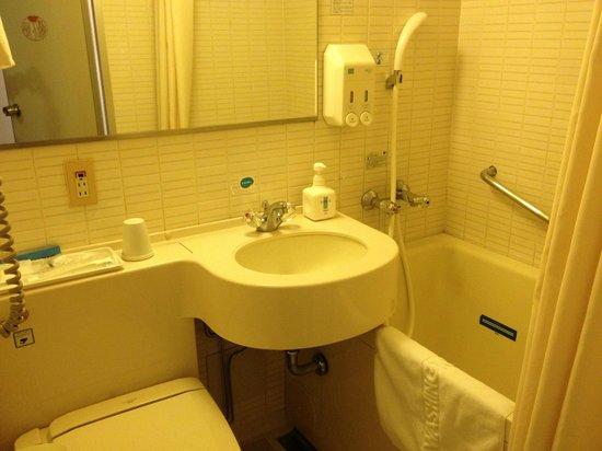Shinjuku Washington Hotel Main:                   洗面所+トイレ+バスタブ