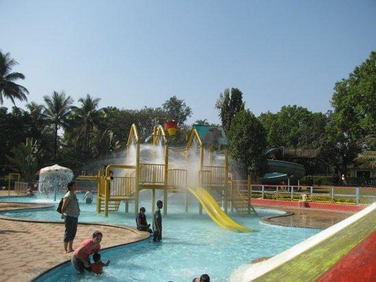 United 21 Panoramic Resort, Karnala: Rides!!!! Simple and Relaxing.