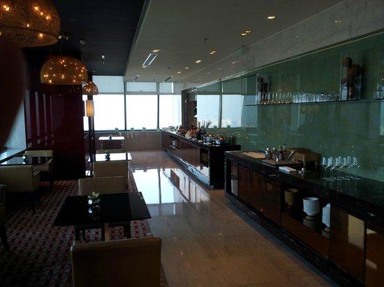 โรงแรมเรอเนสซองซ์ เซี่ยงไฮ้ จงซัน พาร์ค:                   Executive Lounge