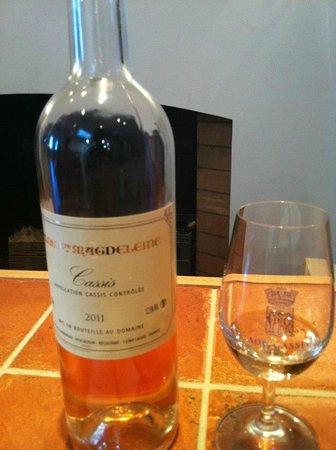 Clos Sainte Magdeleine :                                     Rosé wine