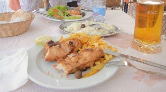 Sol Dourado :                   The grilled chicken was delicious.