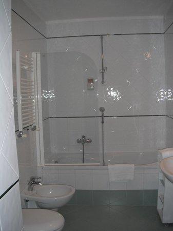 โรงแรมคอสโมโปลิตา:                   banheiro