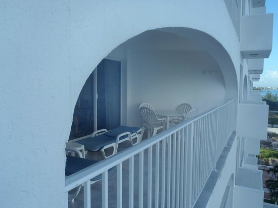 Coral Princess Golf & Dive Resort:                   balcony