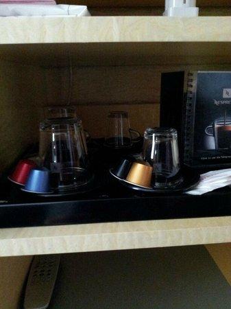 Maximilian Hotel:                   cialde nespresso