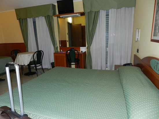 Hotel dore': Camera ampia
