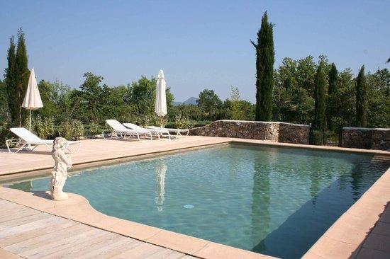 Domaine de la Blaque : piscine Boussone à la Blaque