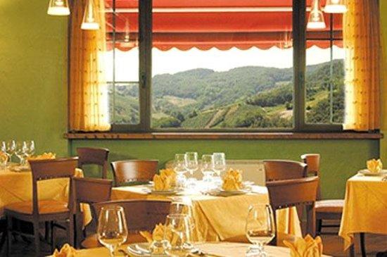 Trattoria quaglini borgo priolo ristorante recensioni for Priolo arredamenti torino