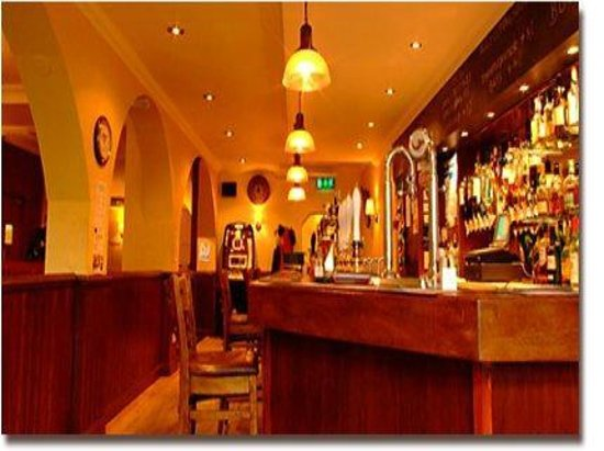 The Waverley Hotel: Bar Servery