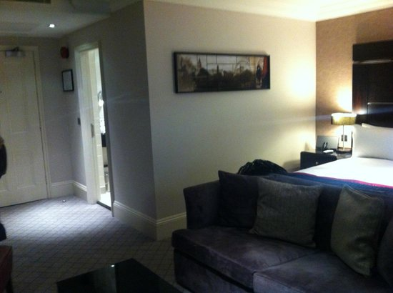 The Grosvenor Hotel:                   room