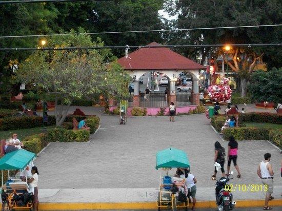La Crucecita town square