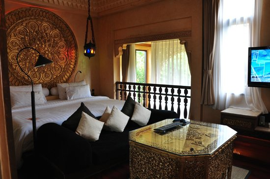 The Baray Villa:                                     la Chambre au dessus du salon