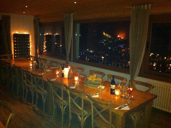 Chalet Les 4 Vents:                   Evening  meal table set
