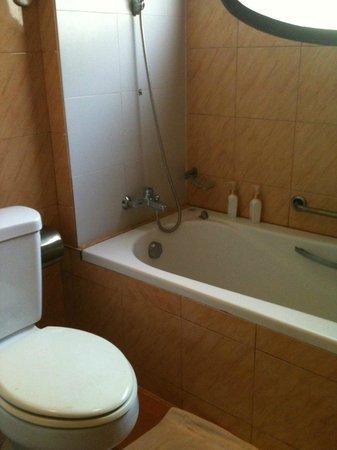 Chanthavinh Resort and Spa:                   salle de bains