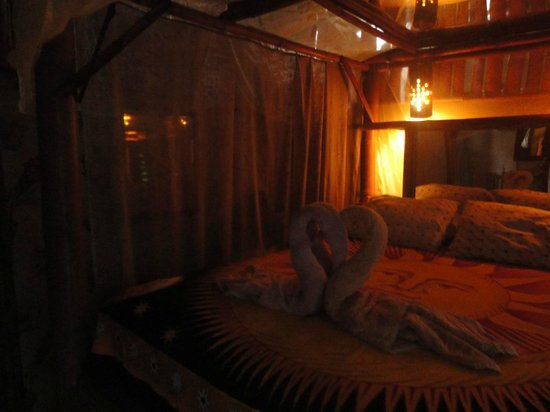 Peace of Paradise:                   bed room
