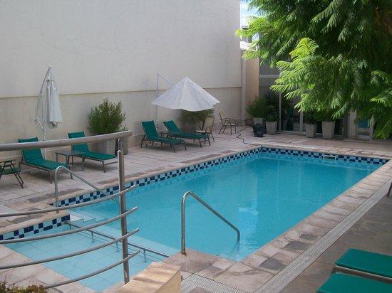 Hotel Provincial:                   La Piscina