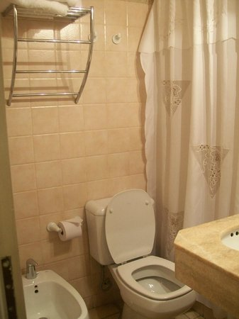 Hotel Provincial:                   El baño