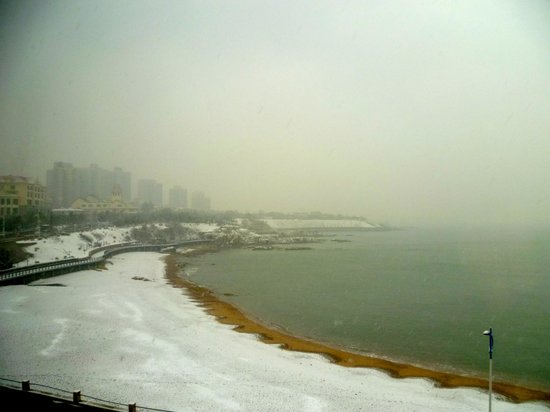 Haiyu Hotel:                   Snow on the beach
