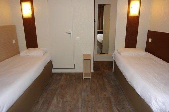 Brit Hotel Caen Est: chambre twin