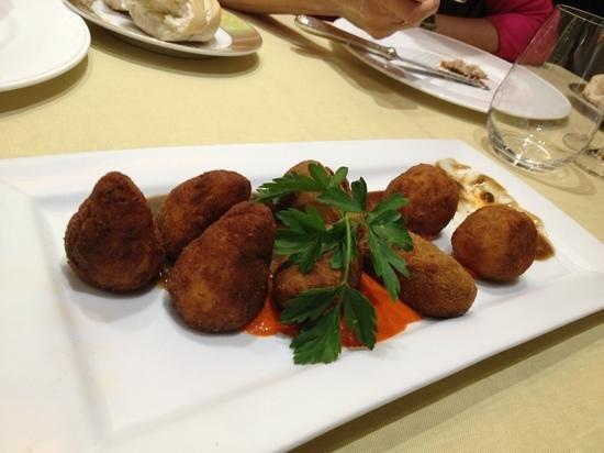 El Hidalgo Restaurante:                   croquetas