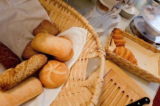 Actilingua Apartment Hotel Pension: Breakfast Room