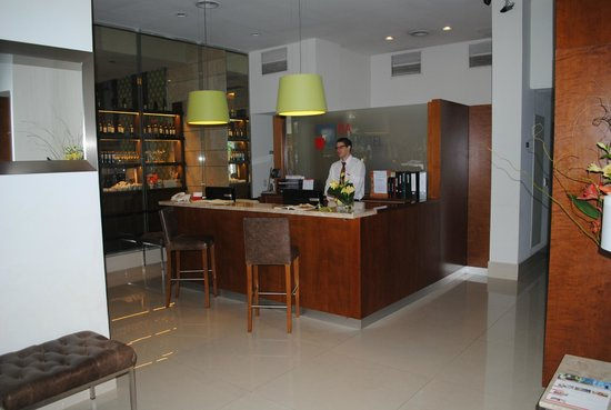 BA Sohotel:                   Hotel Reception