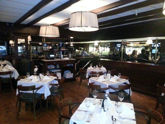 Mr. B's Bistro: Dining Area