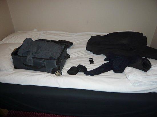 Loginn Hotel:                                     120 cm bed